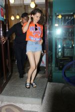 Kangana Ranaut spotted at bblunt salon on 13th June 2017 (6)_5940a4e85c722.JPG