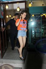 Kangana Ranaut spotted at bblunt salon on 13th June 2017 (7)_5940a4f091f56.JPG