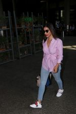 Sophie Choudry at the airport on 14th June 2017 (10)_594114d0f1fb4.JPG