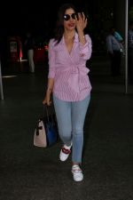 Sophie Choudry at the airport on 14th June 2017 (3)_594114cb99778.JPG
