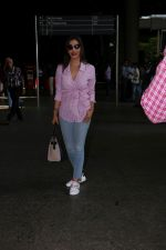 Sophie Choudry at the airport on 14th June 2017 (6)_594114cd2bce2.JPG