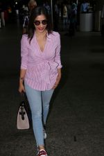 Sophie Choudry at the airport on 14th June 2017 (7)_594114ce0bc73.JPG