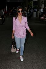Sophie Choudry at the airport on 14th June 2017 (8)_594114ced52f3.JPG