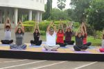 Subhash Ghai doing yoga practice along with his daughter and grandchildren at Whistling Woods International on 15th June 2017 (13)_5942a122edca5.JPG