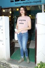 Prachi Desai at BBLUNT Salon in Bandra on 15th June 2017 (10)_59437c54b00e5.JPG