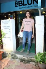 Prachi Desai at BBLUNT Salon in Bandra on 15th June 2017 (7)_59437c3f93474.JPG
