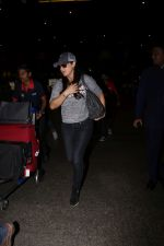 Preity Zinta Spotted At Airport on 15th June 2017 (3)_59437c3578b51.JPG