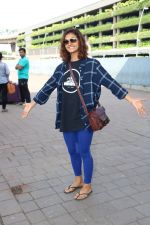 Shakti Mohan Spotted At International Airport on 16th June 2017 (4)_5944d6b94ff02.JPG
