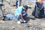 Jackky Bhagnani, Pooja Bhatt at Chimbai Beach Clean Up Drive By BMC on 18th June 2017 (11)_5946791718e9a.JPG