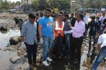 Jackky Bhagnani, Pooja Bhatt at Chimbai Beach Clean Up Drive By BMC on 18th June 2017 (9)_594679125b84b.JPG