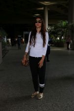 Gauhar Khan Spotted At Airport on 19th June 2017 (10)_5947b6792d0a2.JPG