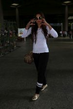 Gauhar Khan Spotted At Airport on 19th June 2017 (5)_5947b673362a9.JPG