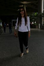 Gauhar Khan Spotted At Airport on 19th June 2017 (8)_5947b676b12bb.JPG