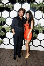 SRK and Suhana at the Grand Opening Party Of Arth Restaurant on 18th June 2017 (1)_5947a612ce8c4.JPG