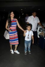 Divya Khosla Kumar at the airport on 21st June 2017 (4)_594b326cad1d9.JPG