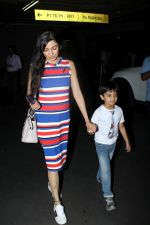Divya Khosla Kumar at the airport on 21st June 2017 (6)_594b3259c7472.JPG