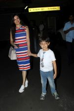 Divya Khosla Kumar at the airport on 21st June 2017 (9)_594b325c97498.JPG