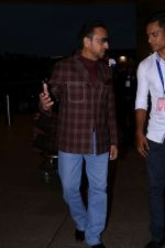 Gulshan Grover at the Airport on 21st June 2017 (8)_594b33f2e81dc.JPG