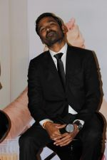 Dhanush at the trailer & music launch of VIP 2 on 25th June 2017 (34)_594fe7b0d6a4a.JPG
