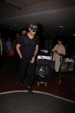 Sidharth Malhotra spotted at the airport on 1st July 2017 (2)_595856ecbddfb.JPG