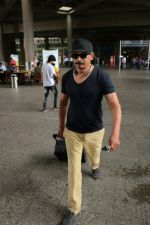 Atul Kulkarni Spotted At Airport on 5th July 2017 (5)_595cbea62846d.JPG