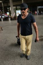 Atul Kulkarni Spotted At Airport on 5th July 2017 (7)_595cbea7875fe.JPG