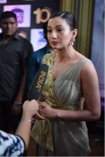 Gauhar Khan at 10th Gold Awards 2017 on 5th July 2017 (30)_595cf6ea77fa7.jpg