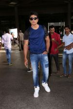 Sonu Sood Spotted At Airport on 8th July 2017 (2)_5960d338168ee.JPG