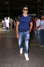 Sonu Sood Spotted At Airport on 8th July 2017 (4)_5960d33a25456.JPG