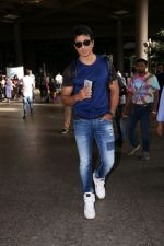 Sonu Sood Spotted At Airport on 8th July 2017 (5)_5960d33b25817.JPG