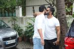 Suniel Shetty with son Ahan was spotted at Sajid Nadiadwala_s residence on 10th July 2017 (1)_59633f0f4deee.jpg