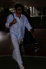 Sunny Deol spotted at the Airport on 10th July 2017 (6)_59637669a4384.JPG