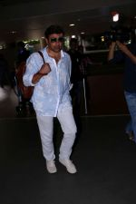 Sunny Deol spotted at the Airport on 10th July 2017 (8)_5963766ae191e.JPG