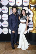 Sophie Choudry at the Red Carpet Of 4th NRI Of The Year Awards in Grand Hyatt on 11th July 2017 (10)_5965de263daec.JPG