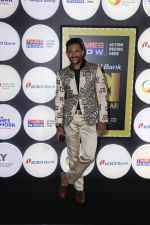 Terence Lewis at the Red Carpet Of 4th NRI Of The Year Awards in Grand Hyatt on 11th July 2017 (15)_5965de362ad1a.JPG