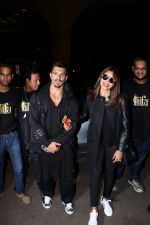 Bipasha Basu, Karan Singh Grover Spotted At Airport on 12th July 2017 (8)_5966e9fc5b070.JPG
