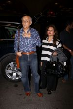 Mukesh Bhatt Spotted At Airport on 13th July 2017 (32)_59677db31129d.JPG