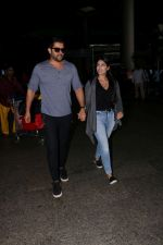 Aftab Shivdasani & His Wife Nin Dusanj Spotted At Airport Returns From IIFA on 18th July 2017 (7)_596db2cdd5c28.JPG
