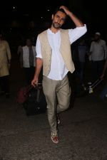 Kunal Kapoor Spotted At Airport Returns From IIFA on 17th July 2017 (25)_596d7a0b95e1b.JPG