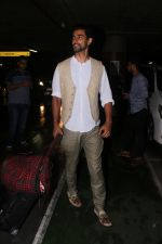 Kunal Kapoor Spotted At Airport Returns From IIFA on 17th July 2017 (30)_596d7a147cba5.JPG