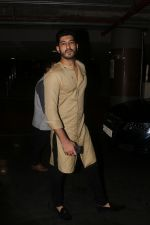 Mohit Marwah Spotted At Airport Returns From IIFA on 17th July 2017 (13)_596d7a6fc686b.JPG