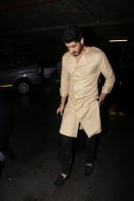 Mohit Marwah Spotted At Airport Returns From IIFA on 17th July 2017 (21)_596d7a2e101ba.JPG