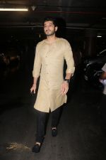 Mohit Marwah Spotted At Airport Returns From IIFA on 17th July 2017 (27)_596d7a34027a8.JPG