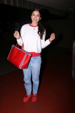 Gauhar Khan Spotted At Airport on 20th July 2017 (12)_5970dcf730e49.JPG