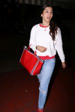 Gauhar Khan Spotted At Airport on 20th July 2017 (17)_5970dcfb61578.JPG