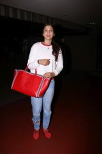 Gauhar Khan Spotted At Airport on 20th July 2017 (5)_5970dcf1e5612.JPG