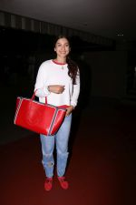 Gauhar Khan Spotted At Airport on 20th July 2017 (6)_5970dcf290103.JPG