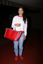Gauhar Khan Spotted At Airport on 20th July 2017 (8)_5970dcf406d07.JPG