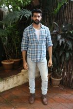 Akshay Oberoi promotes for Film Gurgaon on 21st July 2017 (16)_597308f52b464.JPG