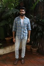 Akshay Oberoi promotes for Film Gurgaon on 21st July 2017 (22)_597308f9699ba.JPG